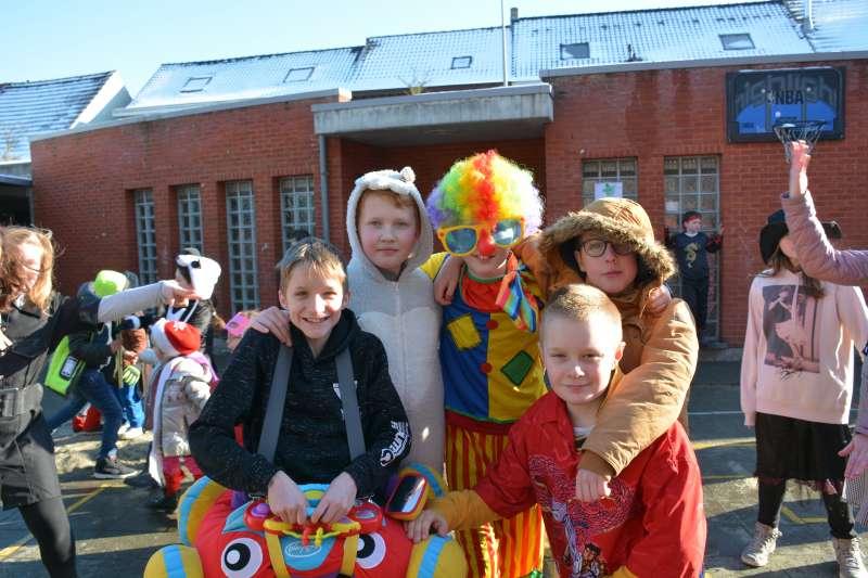 carnaval-met-de-duizendpootjes-109