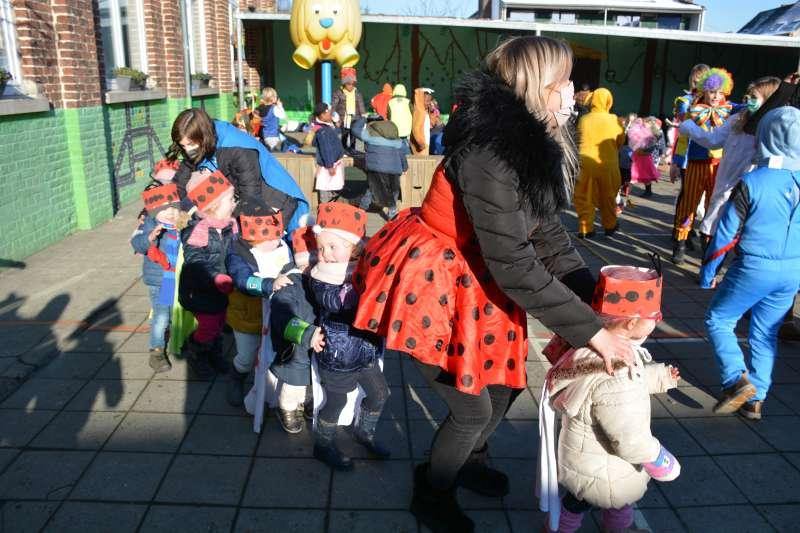 carnaval-met-de-duizendpootjes-142