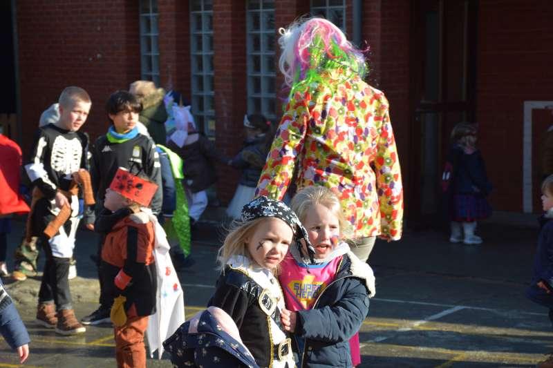carnaval-met-de-duizendpootjes-144