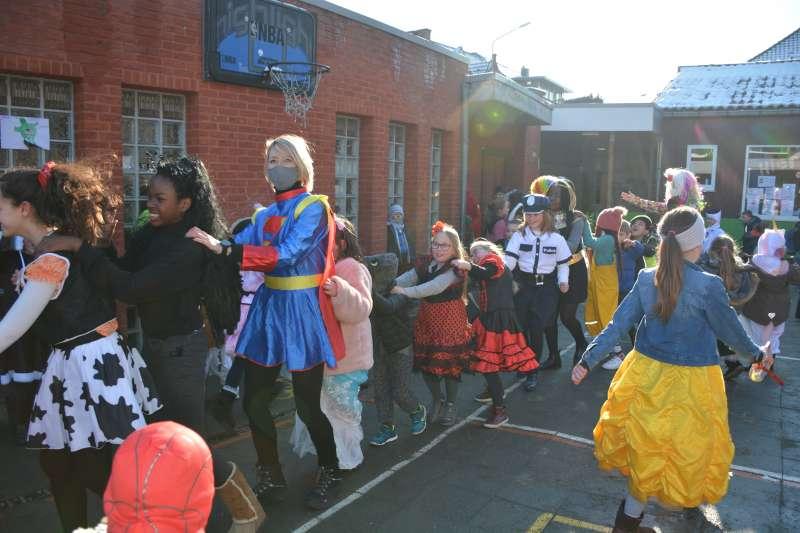 carnaval-met-de-duizendpootjes-154