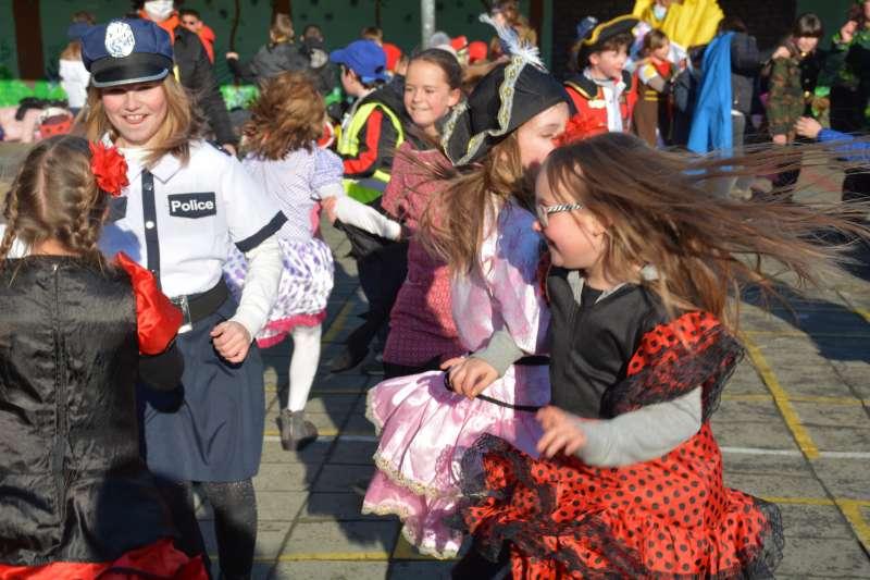 carnaval-met-de-duizendpootjes-168