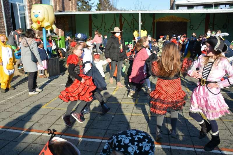 carnaval-met-de-duizendpootjes-170